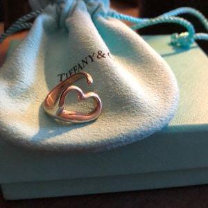 TIFFANY & CO SILVER OPEN HEART RING. EUC